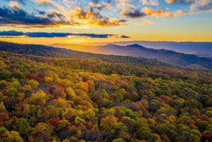 Read more about the article The Best Places to Take in a Virginia Sunrise or Sunset