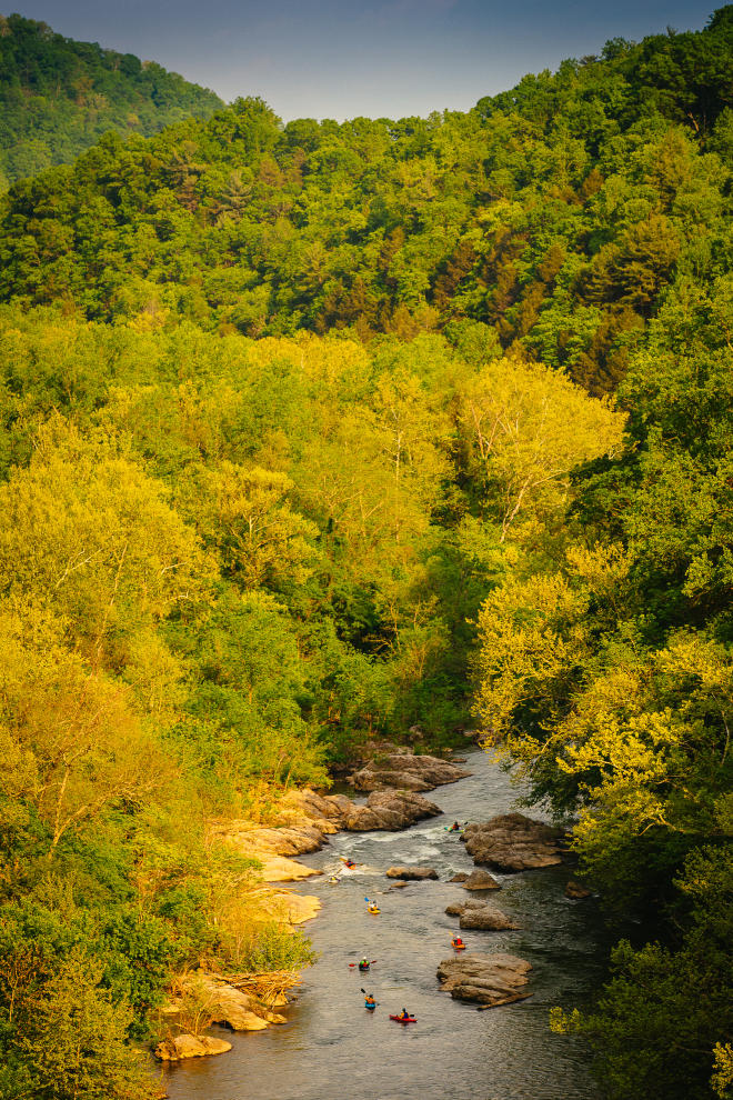 Read more about the article Where to See Fall Colors on the Water in Virginia's Blue Ridge