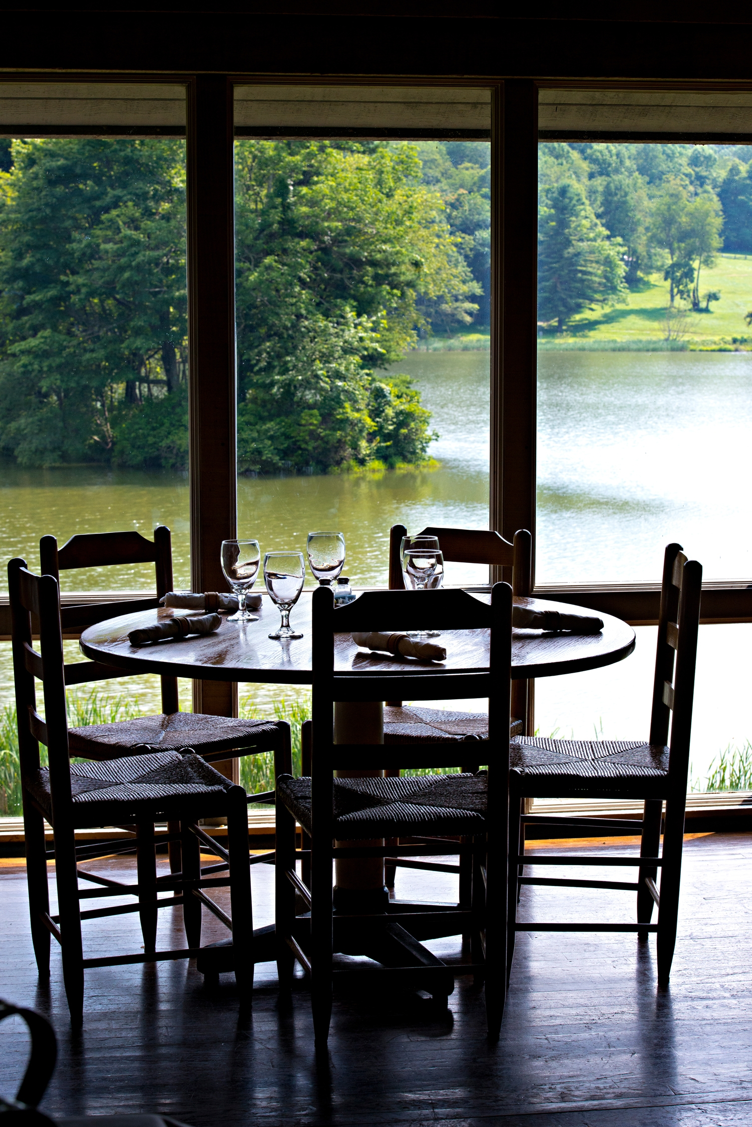 Peaks of Otter Lodge Restaurant with seating overlooking Abbott Lake